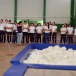 Atletas do Cazaquistão e da China na Educação Física
