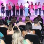 Desfile abre atividades do Outubro Rosa em Ribeirão