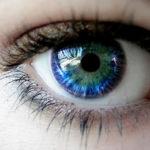 Voluntários para prótese de olho