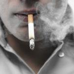 Fumantes voluntários para pesquisa