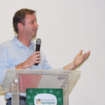 Marcos Fava recebe prêmio de educador do ano