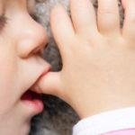 Odontologia seleciona crianças para tratar danos causados por hábito de chupar o dedo
