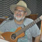 Revoredo recebe violeiro Levi Ramiro